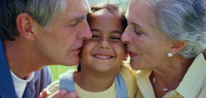 Nonni e bambini per l'UNICEF